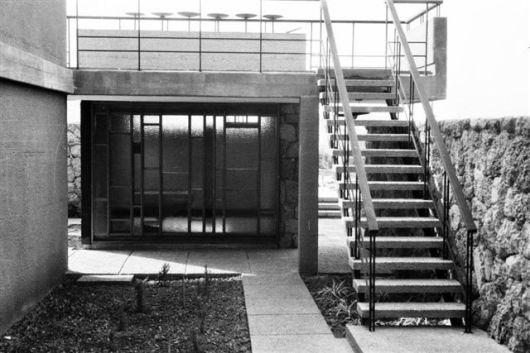 פ.841 צלם שמחה פיזה-פינה מקורית כולל המדרגות והמעבר