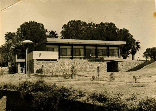 צלם ולטר גולדשמידט 1962 חנוכיה מעל מגדל המים