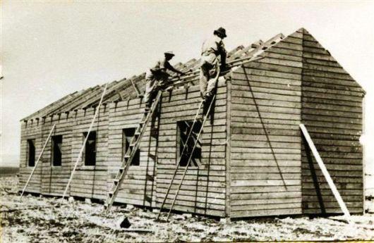 בניית חדר אוכל הראשון בעין דור