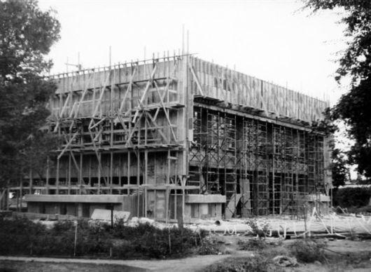 בניית חדר אוכל 1971