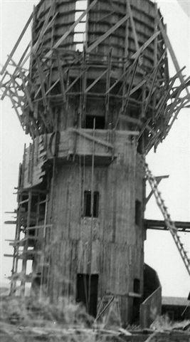 מגדל המים בבנייתו