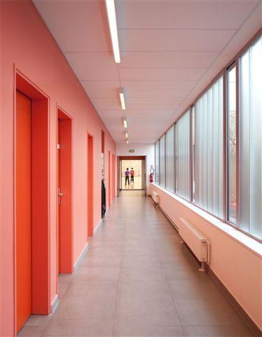 50c20420b3fc4b2f5a00014d_gymnasium-r-gis-racine-atelier-d-architecture-alexandre-dreyss-_011__p11