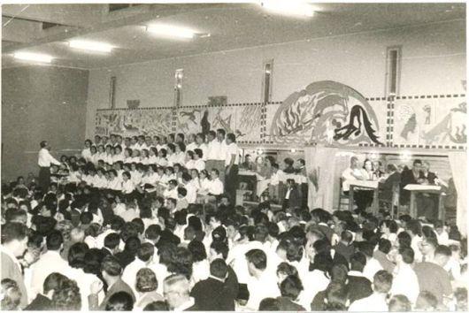סדר פסח בחדר האוכל ביגור שנות ה-60