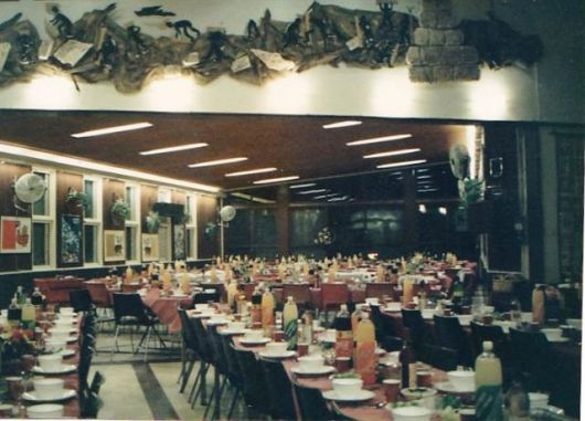 חדר אכילה 11