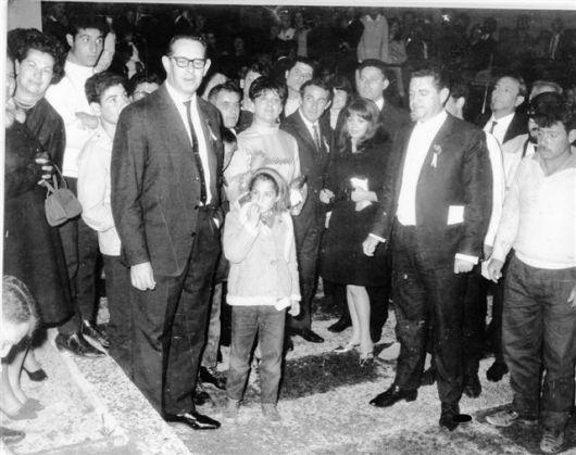בטקס הטבעת כפות ידיים מרץ 1967 מאוסף משפחת בלסבלג