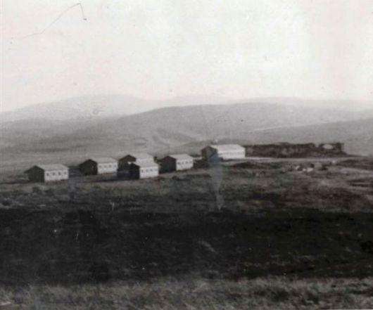 הצריפים הראשונים וחדר האוכל הראשון במגידו