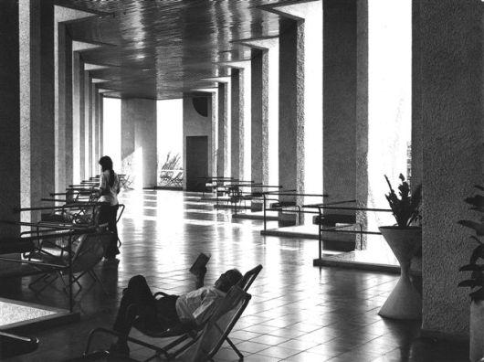 View along Piloti Terrace, entrance level 001