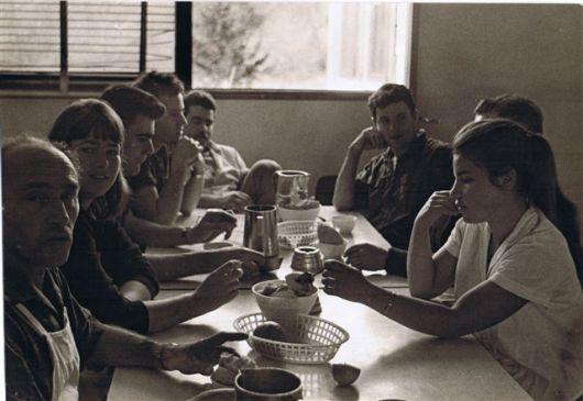 1965 - R.R. גדעון שפי,אלישע אמיר,רפי פלד,איתן שפירא,עודד ת-צ,עירית מרכס