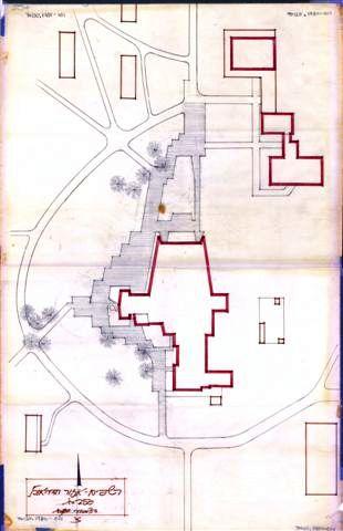 1980: תכנית פריסה של בניין חדר האוכל המודגש במרכז וכן המועדון והספרייה למעלה מימין (ארכיון רשפים)