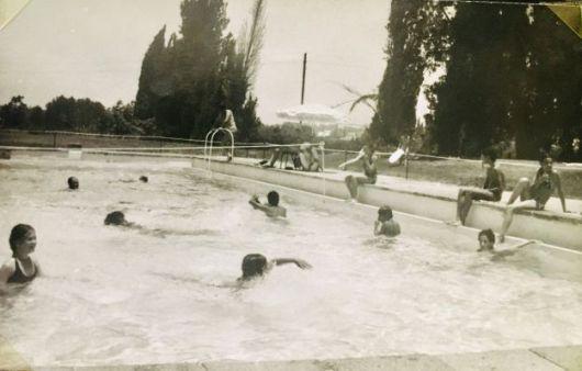 אוסף אלי פורת בריכת השחיה 1966