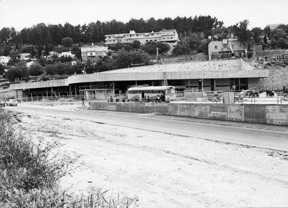 תחנת אגד בצפת בבנייתה באדיבות ארכיון ההיסטורי אגד (3)