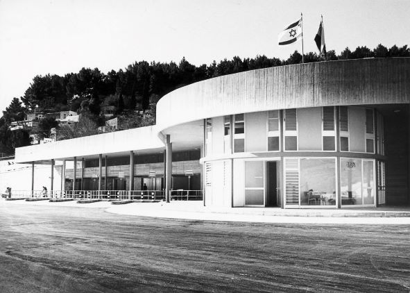 תחנת אגד בצפת בבנייתה באדיבות ארכיון ההיסטורי אגד (6)